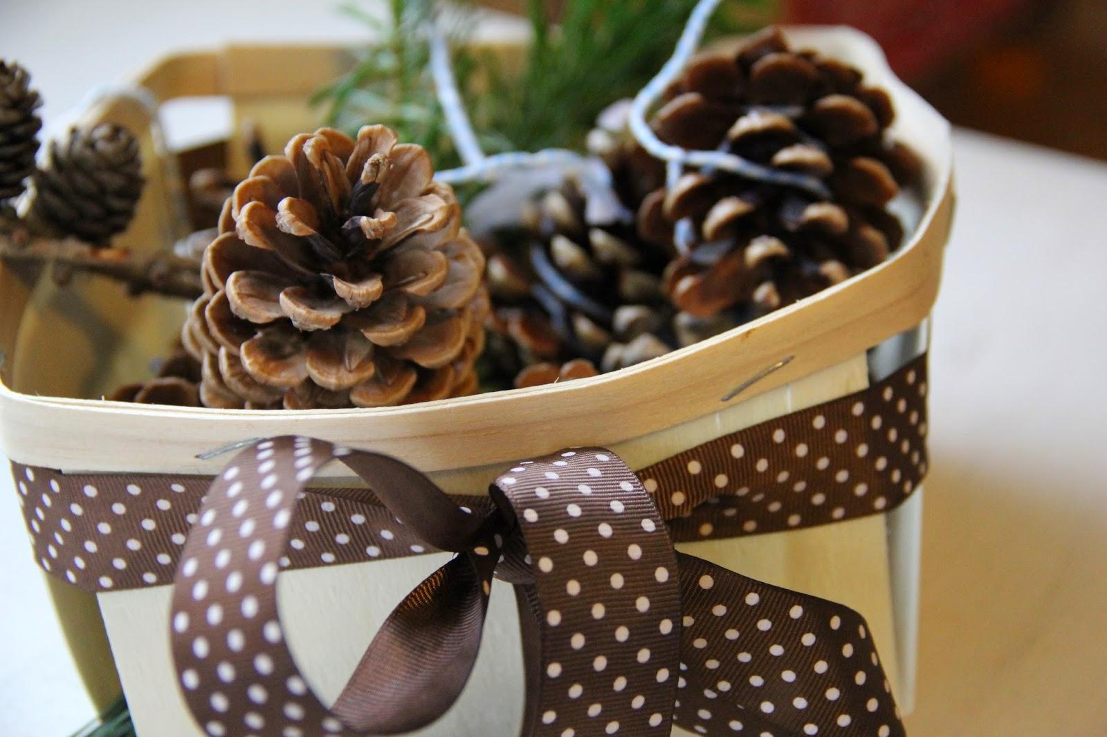Selbstgemachte Weihnachtsgeschenke: Kaminanzünder-Zapfen | Familienjahr